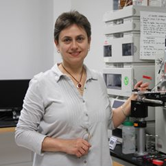 photo of Dr. Iuliana Lazar